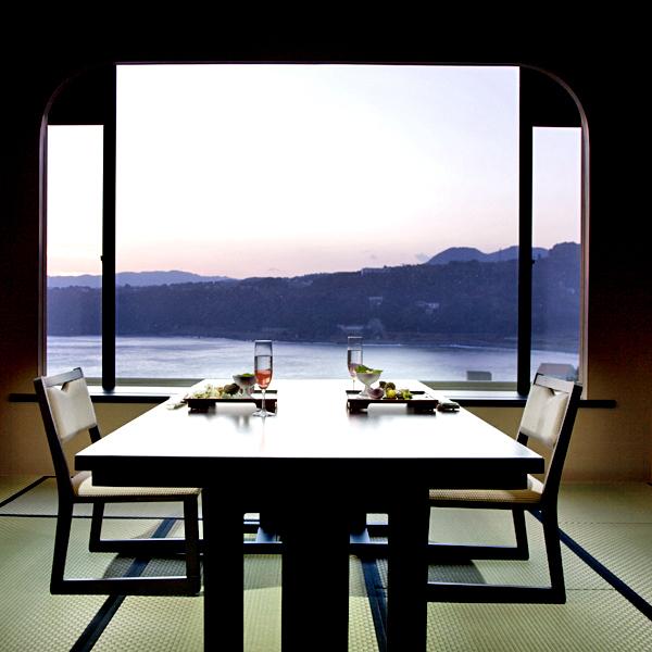 特別室801号室〈高テーブル席〉