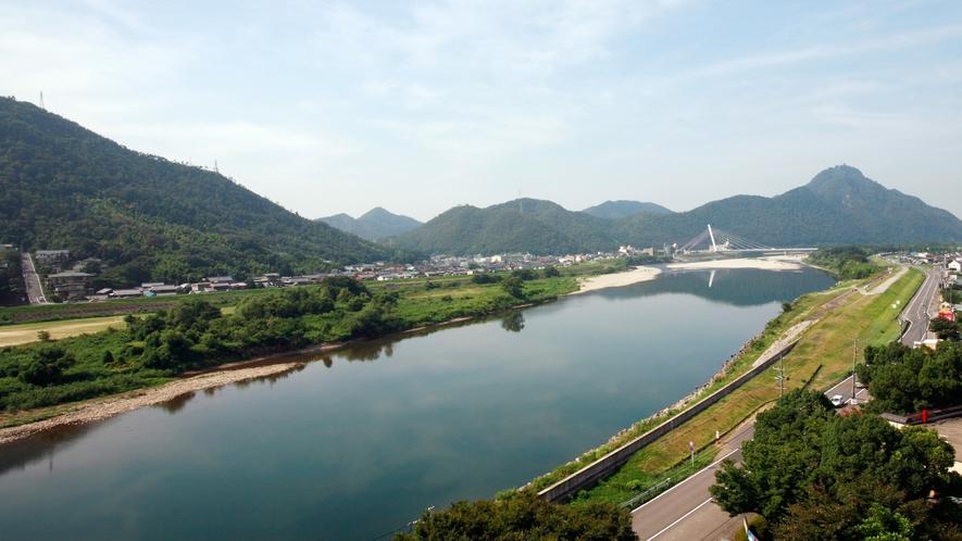 ≪長良川・金華山を望む景観≫
