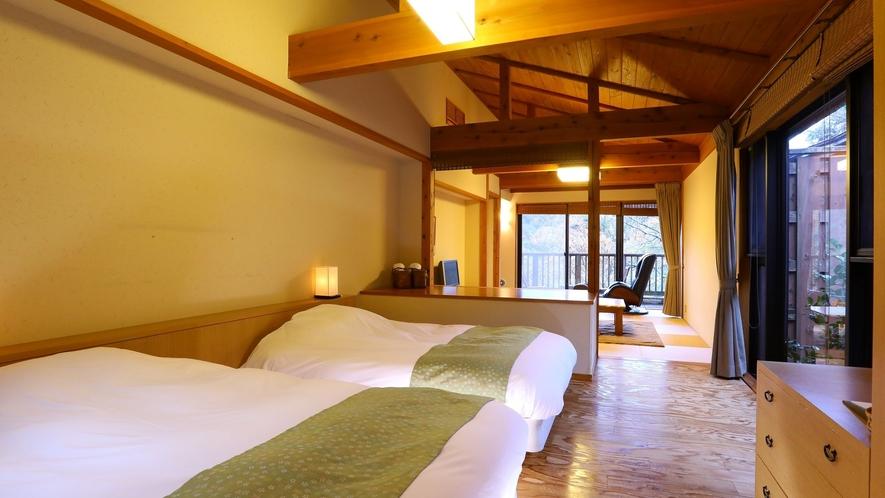 【別邸 山の音50平米】ツインベッドを備えた和モダン広々和洋室
