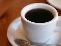 豆から挽く本格派コーヒーでごゆっくりお寛ぎ下さいませ!