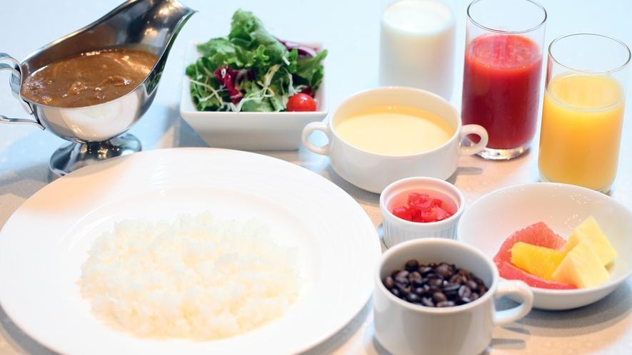 朝食(カレーセットイメージ 2021年5月初旬まで)※当面の間ブッフェは提供を停止致します。