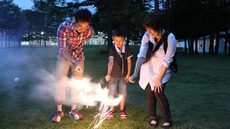 【夏季限定】持ち込んだ花火で夏の夜を楽しもう!ホテル中庭でお楽しみいただけます。
