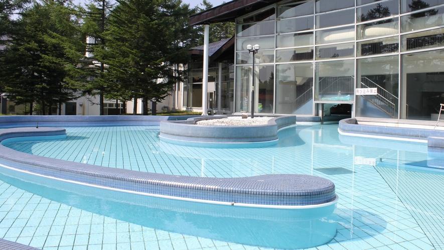 【夏季限定】屋外プール♪