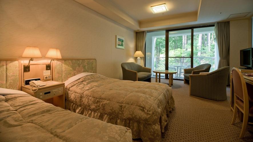 【シャトー館客室一例】46平米の落ち着いた雰囲気のお部屋です。
