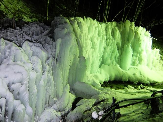ライトアップした樹氷