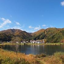 湖に映える紅葉『中綱湖』