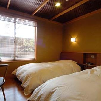 【本館A】和室10畳+ベッドルーム■温泉*半露天風呂