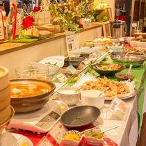 【夕食バイキング】季節で変わる一品料理も充実!