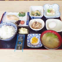 *【朝食例】体に優しい和朝食。ご飯のすすむ美味しいおかず♪