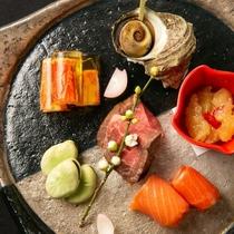 春のオードブルはローストビーフ他、四季の酒菜盛り合わせ< 佐渡ごっつぉ~SADO~ >