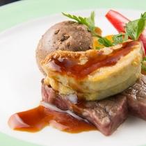 世界三大珍味の一つ「フォワグラ」と牛肉ロッシーニ風『茜の宴』
