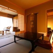 本館【10+7畳】 みんなで広々過ごせる二間続きのお部屋です。