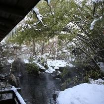 風情溢れる雪の庭園大露天風呂