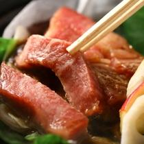 【彩 いろどり】メインは特製の絶品味噌でいただく信州牛の朴葉焼き