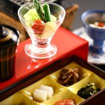 【朝食】木島産特別栽培米のこしひかりなど地元の旬の素材を使用