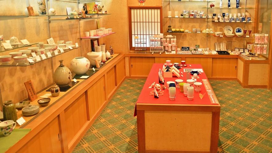 【ギャラリー】有田、伊万里の有名陶磁器の展示販売