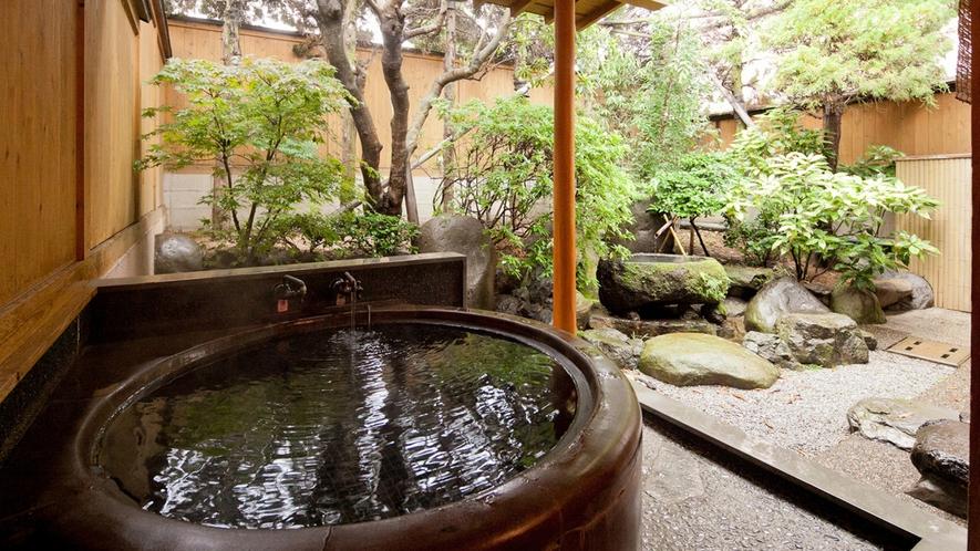 【山茶亭/桜】お風呂は昔懐かしい五右衛門風呂を備えています。