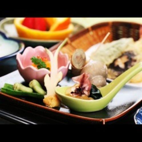 料理一例◆盛り付けにも『季節』を感じるような料理構成を心がけております。