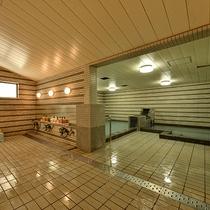 *大浴場/尾瀬岩鞍高原から湧き出る温泉で1日の疲れをお流し下さい。サウナもございます。