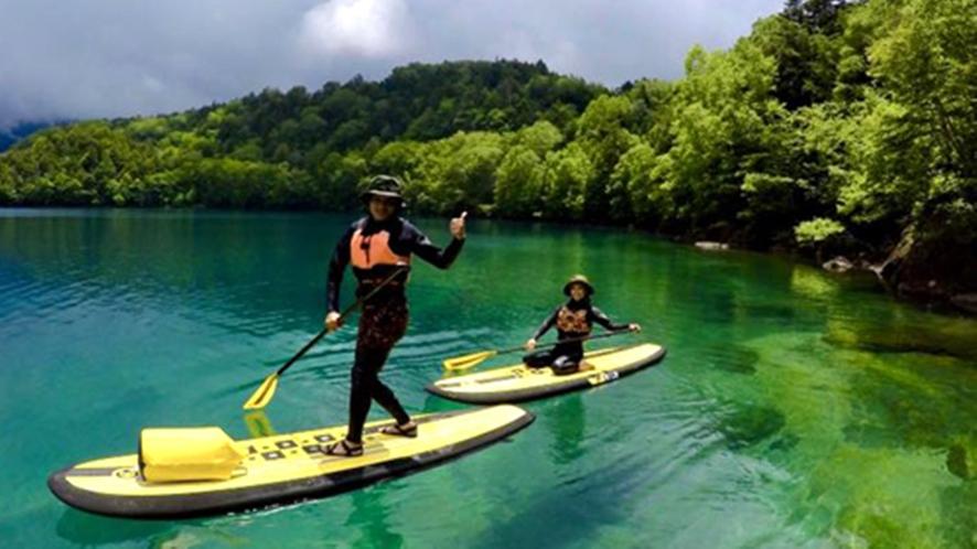 *SUP体験/澄み切った青空の中、豊かな原生林や水の音をお愉しみいただけます