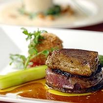 牛ヒレ肉&フォワグラのポワレ ほくほくプチポテトとグリーンアスパラ添え