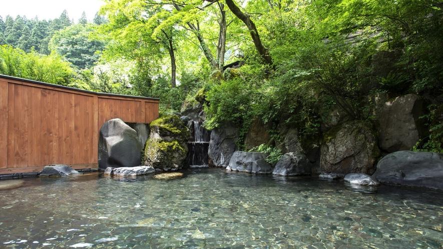 【露天風呂】 越後湯沢エリア最大級!源泉滝流し、爽涼の風、神秘の星空露天を愉しむ♪