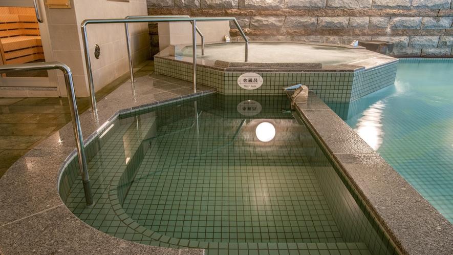 【男性大浴場】サウナに必衰アイテム「大きい水風呂」完備!