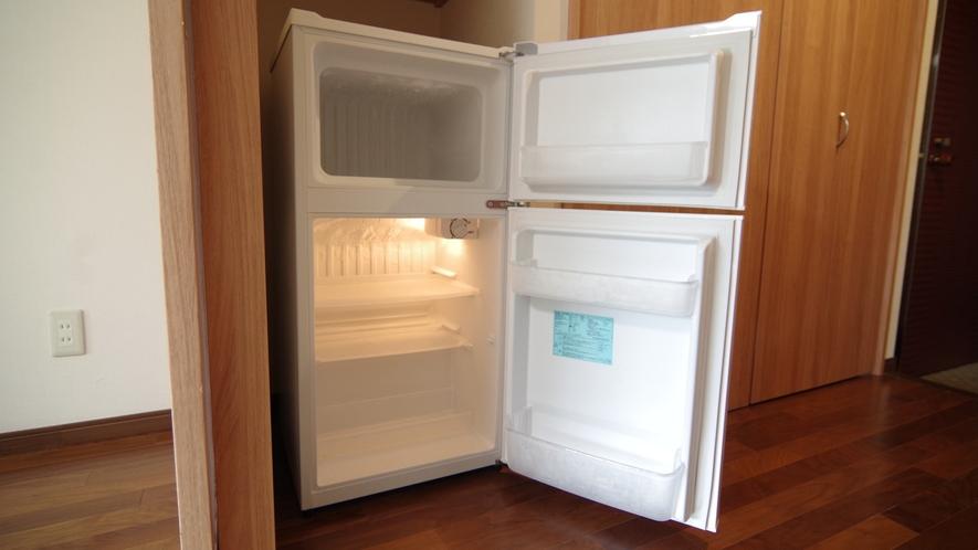 客室冷蔵庫(中身は空です。持込OK)