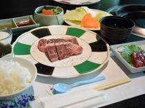ステーキ食べ放題皿盛(例)