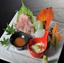 お料理  お刺身一例(岩女・刺身コンニャク)
