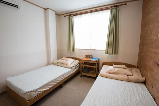 【禁煙ツインルーム】 キッチン付、2人部屋