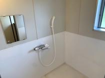 トロン・トロン2 シャワールーム