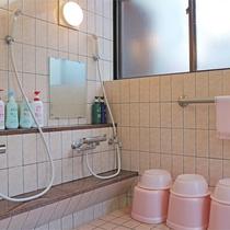 *女湯洗い場