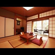 【客室一例】広めの和室は、全室トイレ(洗浄機能付)・広縁付きです。
