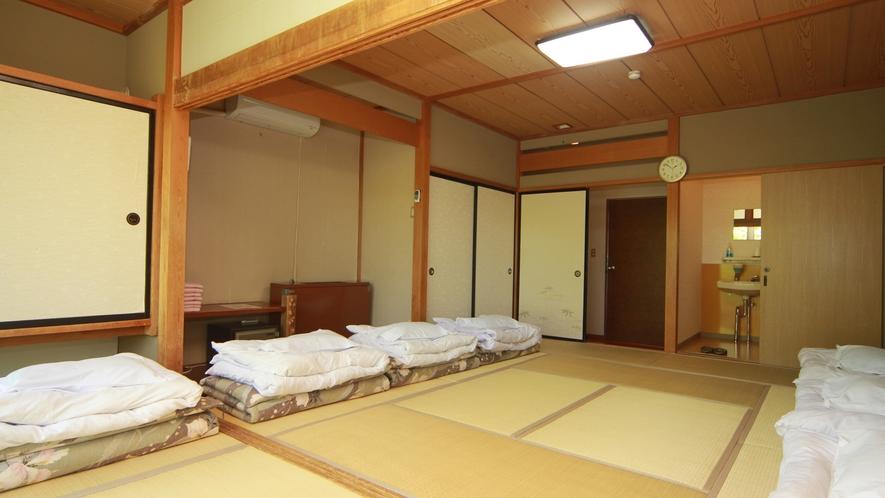 【団体様・客室一例】全室ウォシュレット付きです。お部屋割りなどお気軽にご相談下さい。