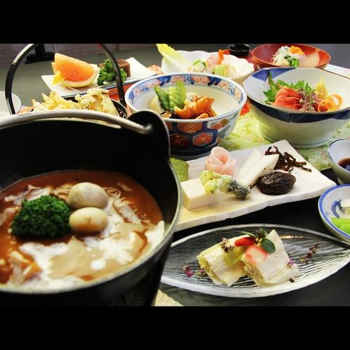 【夕食一例・スタンダード】日光名物の湯波をふんだんに使った湯波料理と地元の旬素材を使った和食膳