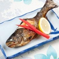 (夕食)マスの塩焼き