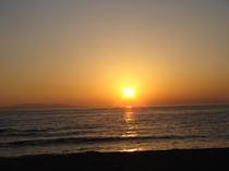布良海岸からの美しい夕日