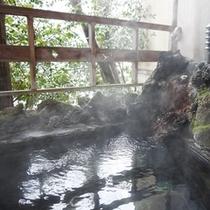 客室露天風呂(鳥の棟)