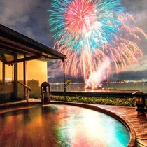夏の諏訪湖は毎日花火♪『今年(2019年)は7/21~8/25』大浴場「湖眺の湯」露天風呂より