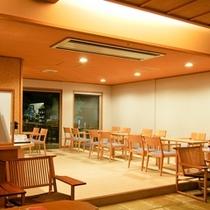 館内喫茶コーナー 「詩諏香(しずか」