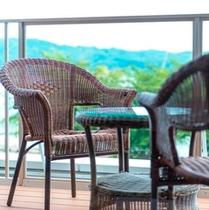 ≪テラスにて≫2014年リニューアル客室【テラス付・湖正面眺望・和室10畳】