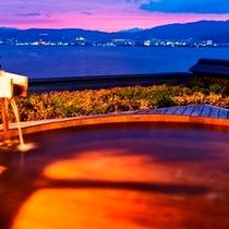 湖眺[こちょう]の湯 露天 夕景