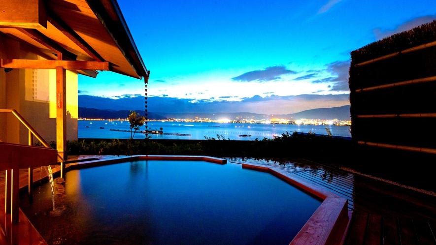 大浴場「湖眺(こちょう)の湯」露天:夜景