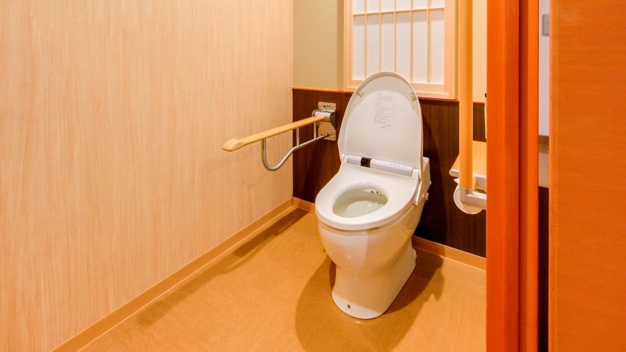【和洋室】バリアフリー:客室トイレ一例※客室により向きなどは異なります