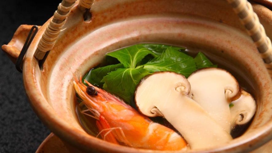 【秋の味覚】松茸の土瓶蒸し