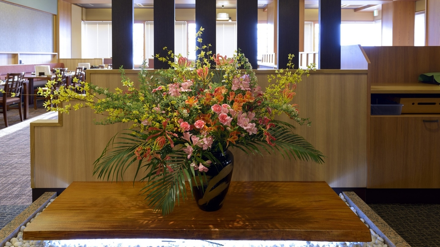 レストラン「妙菜庵(みょうさいあん)」入口 季節のお花