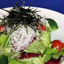 和食屋さんのサラダ