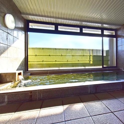 自家源泉の大浴場