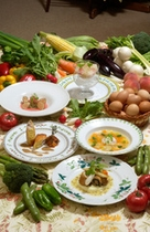 野菜に囲まれたコース大